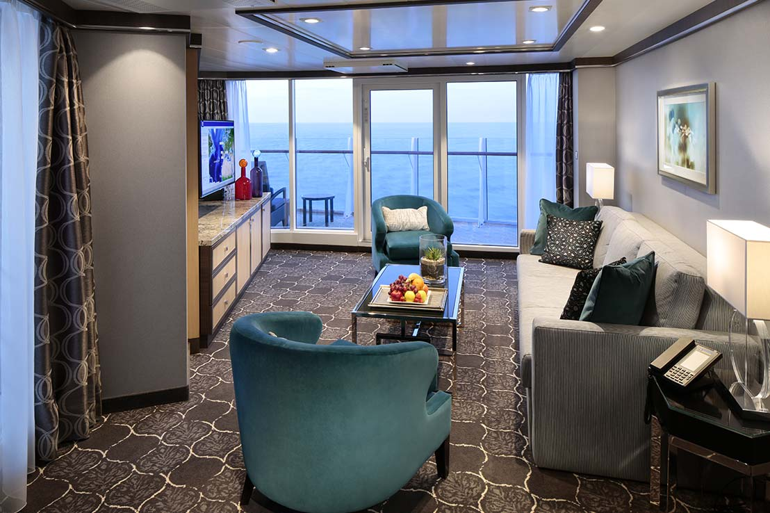 royal-caribbean-harmony-of-the-seas-aqua-theatre-suite-a3